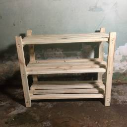 Sapateira de madeira de paletes
