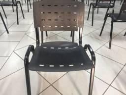 Cadeira promoção R$68 cada temos 120unidades