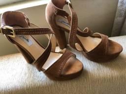 Título do anúncio: Sandálias diversas