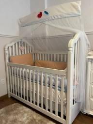 Berço infantil com colchão Ortobom e Protetor de colchão