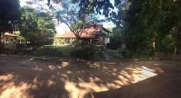 Linda casa em condomínio de Aldeia com muito verde | Oficial Aldeia Imóveis