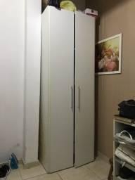 Armario guarda roupas de 2 portas