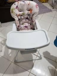 Cadeira para Refeição Burigotto  Monstrinhos - Branco<br><br>
