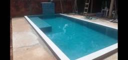 Trabalho em construção de piscina