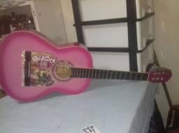 vendo um violão GIANINI rosa feminino chamar no zap * judith