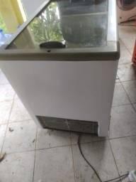 Vendo frezer tampa de vidro fricon funcionando perfeitamente!