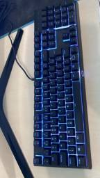 Teclado gamer cooler master MK110 RGB