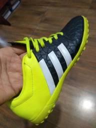 Chuteira Adidas original 34