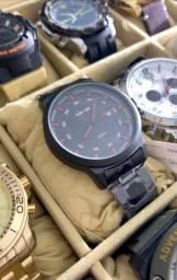 Título do anúncio: Relógio Weide todo em preto. Ótima qualidade. Diâmetro 40mm.