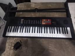Vende-se teclado PSR-F51 Yamaha