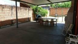 Vende- se casa com 2 dormitórios em Araraquara Sp