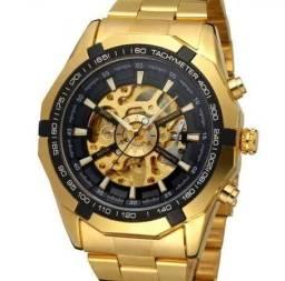 26848f07a18 Relógio Winner - Mecânico Automático Masculino com +Pulseira de Aço - Preto  e dourado
