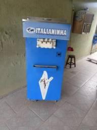 Maquina de sorvete italianinha leia o anuncio