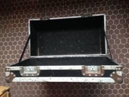 Case rígido para ferragens de bateria, cabos ou outras funções