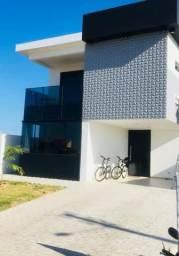 Casa Alto Padrão, duplex, 03 suítes - condomínio fechado