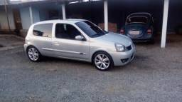 Clio Campos 1.0 com Roda e escapamento esportivo - 2009