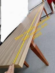Mesa medindo 4 metros