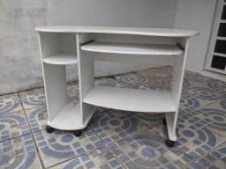 Mesa para computador com rodinhas em arapiraca
