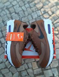 Tênis Nike Air Premium