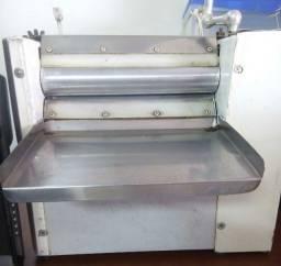 Cilindro para fazer massa de pastel industrial, usada
