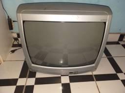 Vende-se televisão de tubo