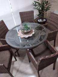 Moveis em Vime - 1 Mesa Redonda com 5 Cadeiras