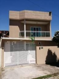 Casa duplex à venda com 3 dormitórios, sendo 1 suíte no bairro Novo Rio das Ostras/RJ.