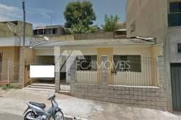 Casa à venda com 3 dormitórios em Centro, Alfenas cod:54860d3c278