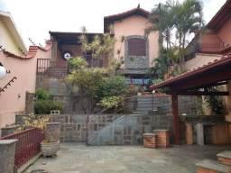 Casa à venda, 3 quartos, 4 vagas, Sagrada Família - Belo Horizonte/MG