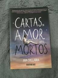 """Livro """"Cartas de Amor aos Mortos"""" da Ava Dellaira"""