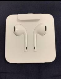 EarPods com conector Lightning - Apple - Lacrado