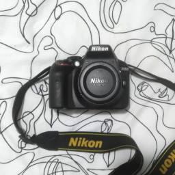 Camera Nikon D3300 + Lente 18-55 + cartão 32gb