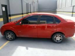 Fiesta sedan $15.000,00
