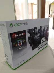Xbox One S 1TB muito novo