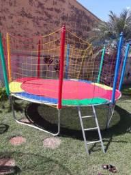 Pula pula e piscina de bolinha