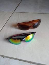 Vendo dois óculos de sol barato.
