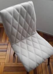 Cadeira estofada de alta qualidade