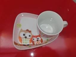 Kit xícara de café + pires triangular
