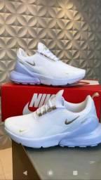 Tênis Nike 270