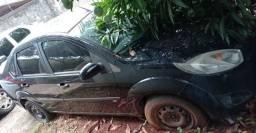 Vendo Fiesta sedan 13/14 1.6 - Leia descrição