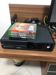 Xbox one c/ jogos e dois controles