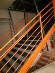 Escada - vendo barato