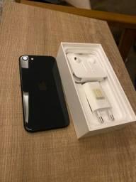 Vendo IPhone SE - 64 GB - Modelo Novo - Caixa e Acessórios