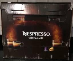 Máquina de café Nespresso Nova