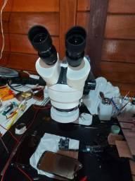 Microscopio Binocular e Ferramentas
