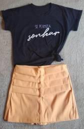 T-shirt e shorts saia