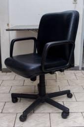 Vendo 2 Cadeiras de Escritório em Perfeito Estado