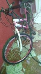 Vendo bicicleta com cadeirinha
