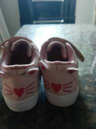Vendo esse lindo sapatinho infantil feminino Semi novo