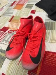 Chuteira de campo Nike CR7